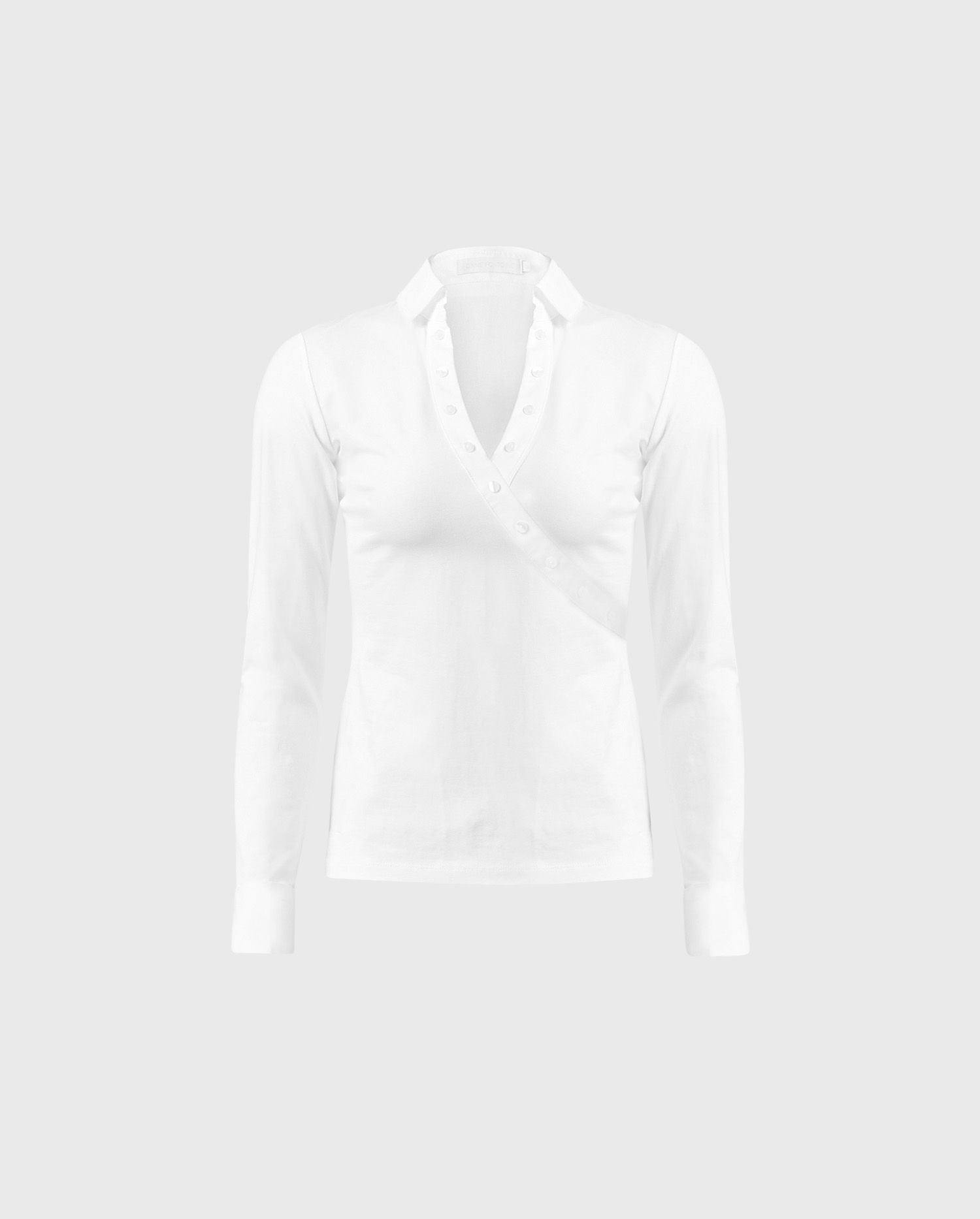 The VOLTA white shirt is the perfect staple to building your Parisian chic style.